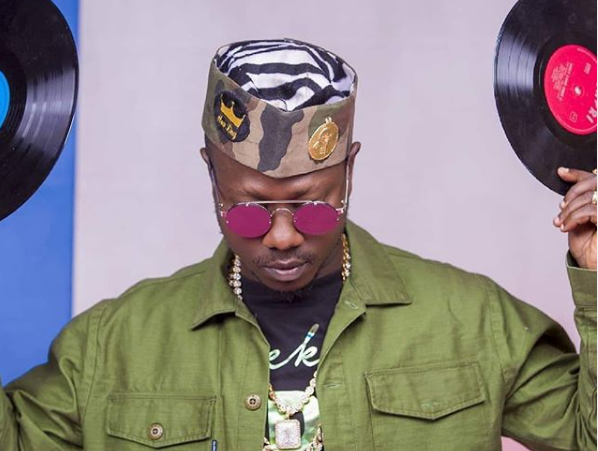 Flowking Stone celebrates love on 'Falling' – Watch