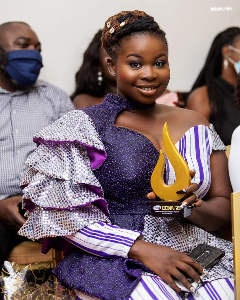 "Ghanaian Female Painter Honored as ""Most Outstanding Woman in Innovation"""