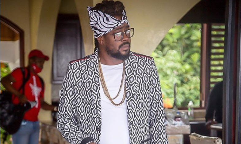 Dancehall legend Beenie Man passes out at Mom's funeral